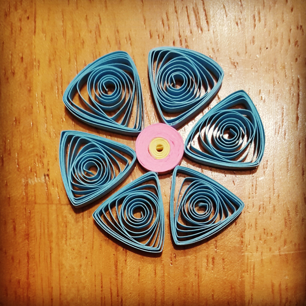 blue flower quilling